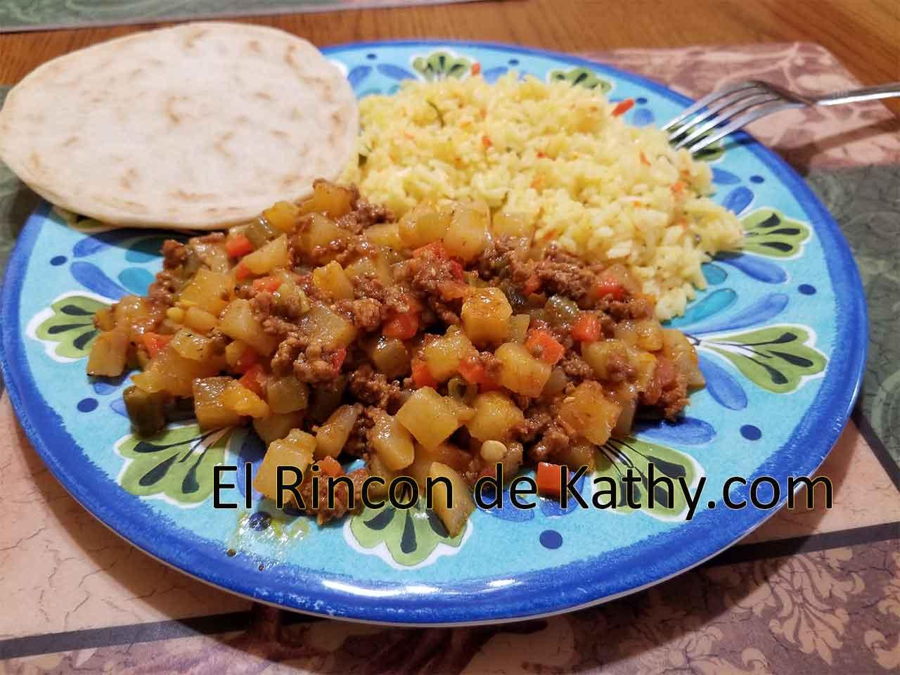 Picado de Verduras con Carne Molida, Cocina Salvadoreña